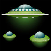 Set of cartoon flying saucers — Stock Vector