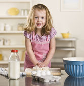 Little girl baking — Stock Photo