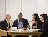 Hommes d'affaires réunion — Photo