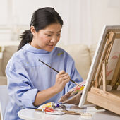 Woman Painting Picture — Stock Photo