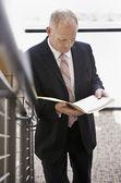 Businessman With Folder — Stock Photo