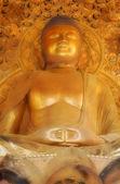 Giant Golden Buddha, Byodo-In Temple — Stock Photo