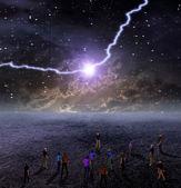 Gente se reúne para ver la descarga de energía — Foto de Stock
