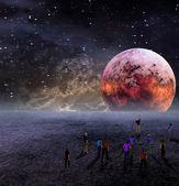人们聚在要查看的月亮 — 图库照片