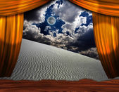 Desert sands creep into theater scene — Stock Photo