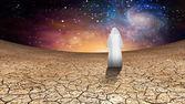 Cielo del desierto y galáctico con vagando camuflados figura — Foto de Stock