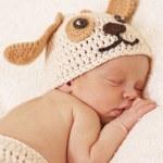Cute newborn baby sleeps — Stock Photo #21595065