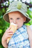 toddler boy eating ice cream — Foto Stock