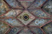 Decorated ceiling with patterns — Stock Photo