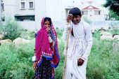 A tribal girl and boy from Rajasthan — Stock Photo