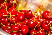 Tasty and juicy cherries — Stock Photo
