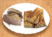 Panqueques con carne — Foto de Stock