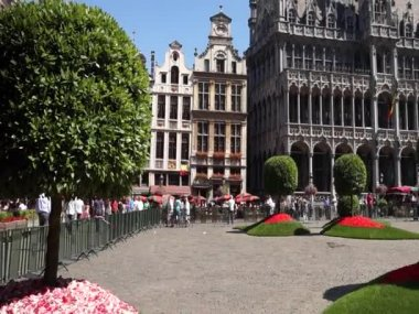 """Floraliëntime"" flower show at the Grand Place in Brussels — Vídeo de Stock"