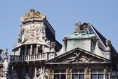Brussels Grand-place detail of the roofs — Stockfoto