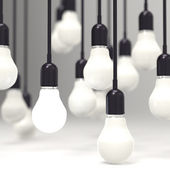 Creative idea e leadership concetto lampadina su grigio — Foto Stock