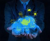 Affärsman hand visar om molnet nätverk — Stockfoto