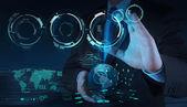 ビジネスマンのクラウド コンピューティング ダイアグラムの操作 — ストック写真