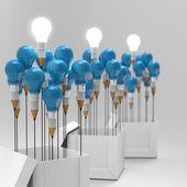 Zeichnung bleistift in idee und glühbirne konzept über den tellerrand als cr — Stockfoto