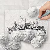Zmačkaný papír a cestování po celém světě — Stock fotografie