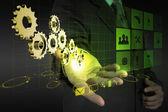 Zakenman hand trekt versnelling naar succes — Stockfoto