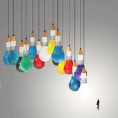Podnikatel při pohledu na 3d tužka a žárovku koncept kreativní — Stock fotografie