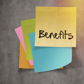 """benefits"" text on sticky note paper on wall texture — Stock Photo"