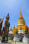 Gold Pagoda in Prakeaw temple, located in Thailand — Stock Photo