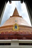 Phra Pathom Chedi, the tallest stupa which located in Nakhon Pathom, Thailand — Stock Photo