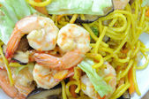 YAKI-SOBA with shrimp and cabbage — Stock Photo