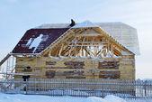 не завершено деревянный дом — Стоковое фото