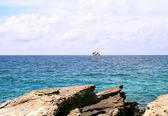 Island at ocean — Stock Photo