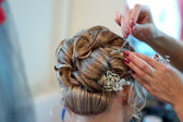 Making wedding coiffure — Stock Photo