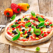 Homemade vegetarian Italian pizza — Stock Photo