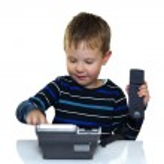 Child is calling helpline — Stock Photo