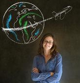 Frau mit kreide-globe und jet-welt-reisen — Stockfoto