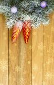 Christmas garland im hintergrund-dnrevyannyh-vorstand. — Stockfoto