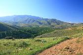 Byn mellan kullar — Stockfoto