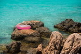 Life buoy near sea — Stock Photo