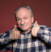 Happy elderly man showing ok sign — Photo
