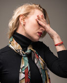 Woman suffering from headache — Stockfoto
