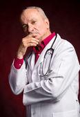 Médico com estetoscópio — Foto Stock