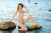 Beautiful young nude woman — Stock Photo