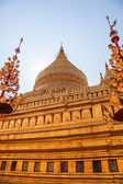 The Shwezigon Pagoda — 图库照片