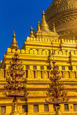 Clusters of zayats, The Shwezigon Pagoda — Stock Photo