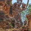 Indein, Inle Lake overgrown pagoda — Stock Photo