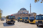 City buses near the Mihrimah Sultan Mosque — Stock Photo