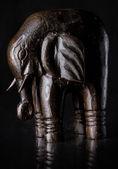 Elefante de madera artesanal — Foto de Stock