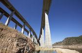 铁路和公路桥梁 — 图库照片
