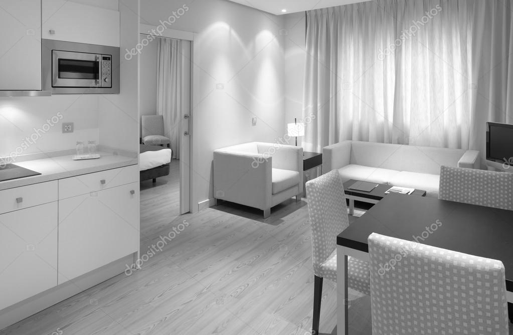 Moderno apartamento con cocina comedor living y cama — foto de ...