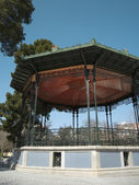 Old bandstand structure with iron and wood. — Stockfoto